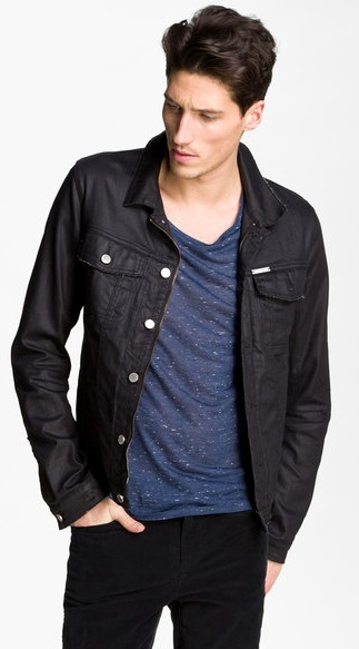 Wear your dark denim jacket over a check shirt with a pair of relaxed fit jeans for the ultimate lumberjack look. However, if you're looking for a dressier combination, pair your dark denim jacket with a dress shirt and a pair of black trousers.